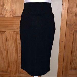 NWT L LLR Solid Black Cassie Skirt